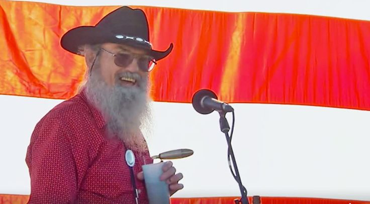 Country Music Lyrics - Quotes - Songs Si robertson - Uncle Si Retires From Duck Commander In Final Episode of 'Duck Dynasty' - Youtube Music Videos https://countryrebel.com/blogs/videos/uncle-si-retires-from-duck-commander-in-final-episode-of-duck-dynasty