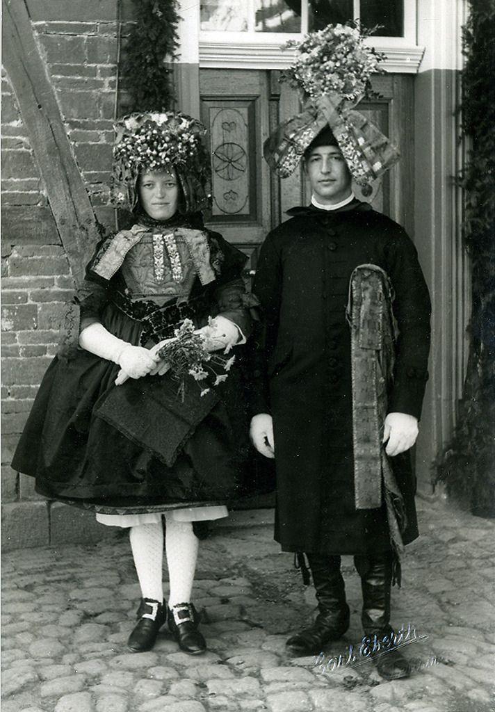 Schwälmer Brautpaar in Nausis, um 1938 #Schwalm
