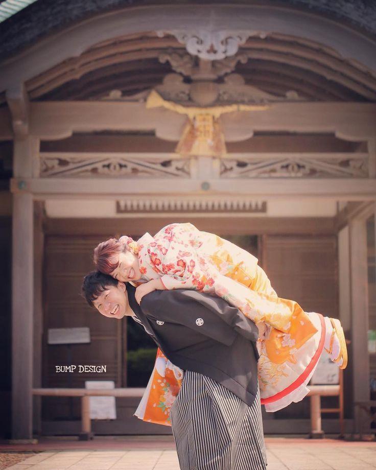 #三重ロケーション前撮り . . ありがたいことに . 月に休みは日くらいしかないんですけど . #今月は日 . それはもちろん撮影が楽しいからもあるけれど . たまに疲れたり休みたくなったりする時もある . #あるある . でもそんな時に癒してくれるのは . やっぱりお客様の笑顔です . . #だから毎日でも撮影できちゃうのです笑笑 . #結婚写真 #花嫁 #プレ花嫁 #卒花 #結婚式 #結婚準備 #ロケーション前撮り #カメラマン #ウェディング #前撮り #結婚式前撮り #写真家 #ゼクシィ #名古屋花嫁 #和装前撮り #持ち込みカメラマン #ウェディングフォト #2017春婚 #結婚式レポ #アサダユウスケ #赤いカメラ #日本中のプレ花嫁さんと繋がりたい #日本中の卒花嫁さんと繋がりたい #ウェディングニュース #weddingphoto #バンプデザイン