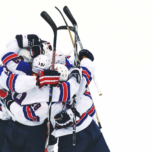 Team USA ice hockey hugs<3