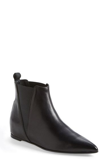 these pointy leather booties are a must have in everyones wardrobe!