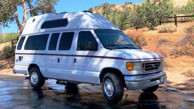2003 Adventurewagen 350 Xlt 19ft In Santa Clarita Ca In 2020 Campers For Sale Santa Clarita Clarita