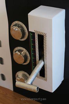 Nice Party DIY panel de mandos de nave espacial (2) Spaceship  Cardboard kids Space Party