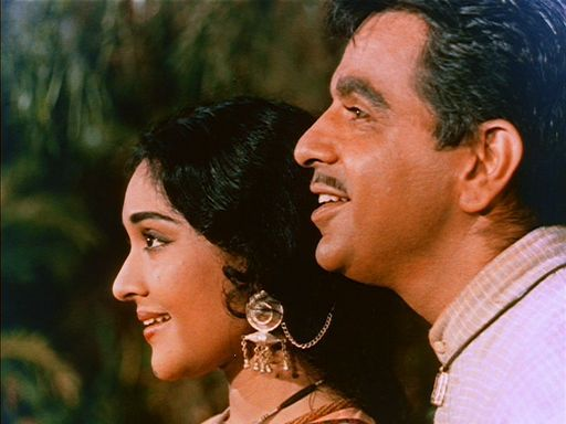 Vyjayanthimala and Dilip Kumar in Ganga Jamuna.