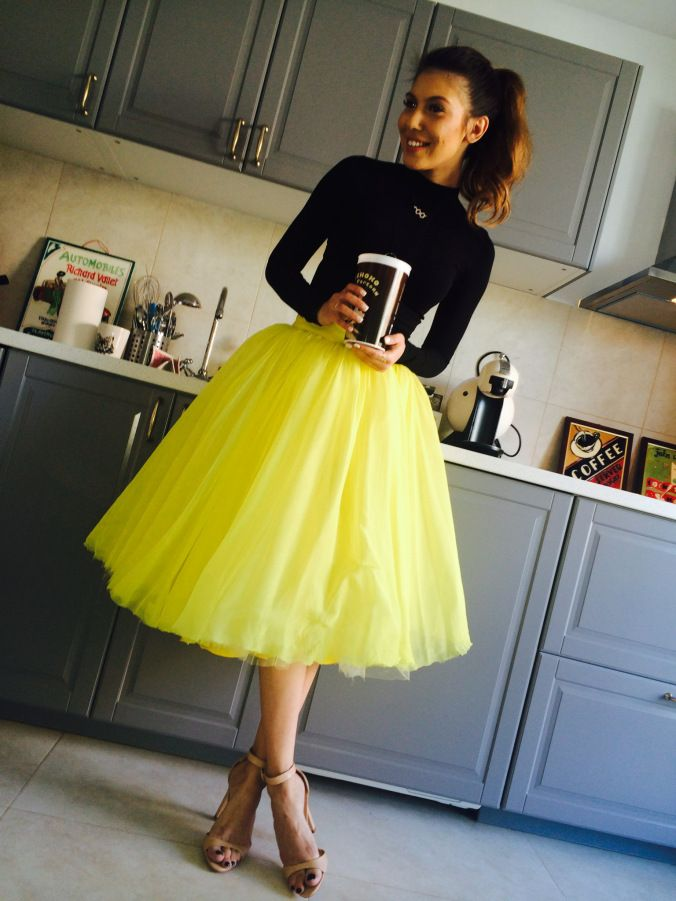 Sore Mihalache wearing Parlor! #parlor #skirt #yellow