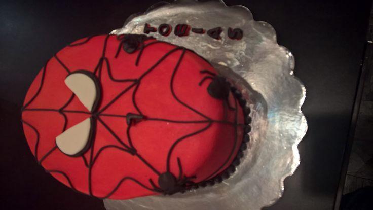 spiderman vanilla cake