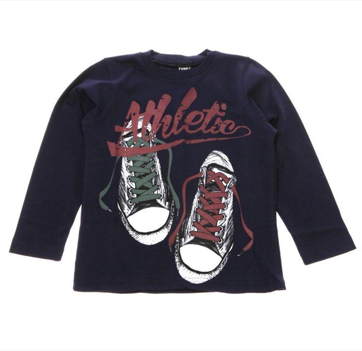 Funky εποχιακή παιδική μπλούζα «Athlete Shoes»  €13,50