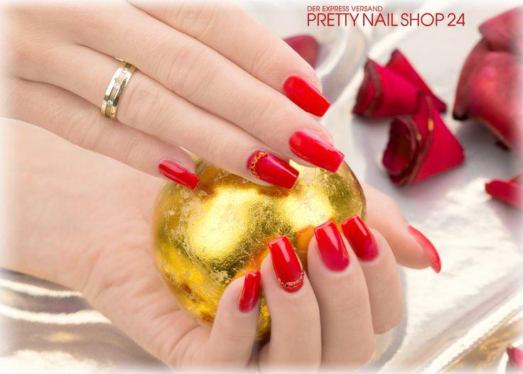#nails #nailart #trend #red Pures Rot ist nicht nur klassisch, sondern auch immer wieder ein echter Hingucker. Mit dem Farbgel pure-red (Art.-Nr.: 2126) und einigen Strasssteinen aus dem Jolifin Herzdisplay Strass irisierend (Art.-Nr.: 6657) könnt Ihr Euch so ein Design ganz einfach auf die Nägel zaubern. Lasst Euch inspirieren, Eure Juliane.