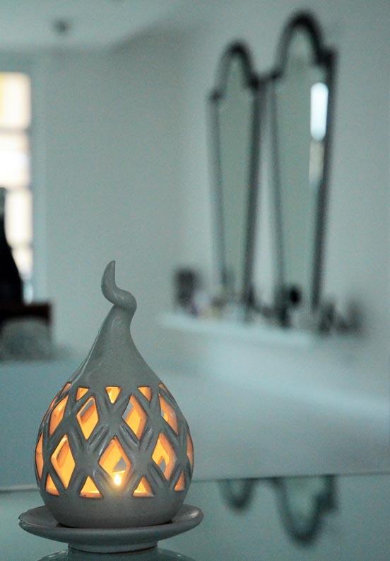 """""""La lanterna sensoriale""""  L'ultima arrivata in boutique è davvero particolare: un porta candele dalla forma atipica, forse un po' orientale?  http://www.amatelier.com/rubriche/amacreare/item/453-il-portacandela-sensoriale"""