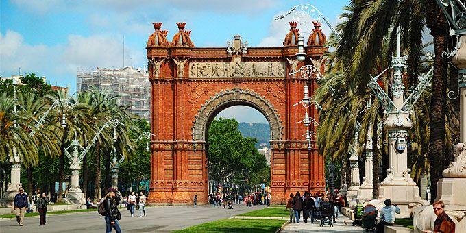 Βαρκελώνη: Μεσόγειος α λα καταλανικά Η αψίδα του θριάμβου