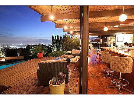 Scarlett Johansson & Ryan Reynolds's Former L.A. Home- cool outdoor space!Wong House, Ryan Reynolds, Scarlett Johansson, Happy, The View, Los Angels, Outdoor Spaces, Johansson Los, Celebrities Home