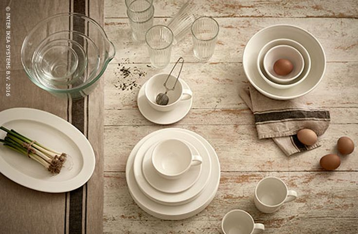 La collection VARDAGEN, c'est un style traditionnel fait pour tous les jours. Une nouvelle série d'ustensiles de cuisine et de vaisselle utilisables à table et en cuisine authentique.   The VARDAGAN collection, a traditional style for everyday use. A authentic new range of kitchen and tableware, ideal for in the kitchen and at the table.