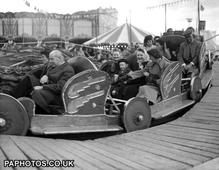 The Festival of Britain - London - 1951 - the caterpillar
