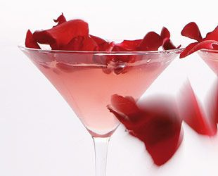 How To Make Bombay Rose Cocktail For Your Valentine