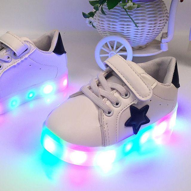 Blanc Pantoufles Led Enfants Krasovki En Bas Âge Semelles Panier Led Enfants Light Up Formateurs Chaussures Rougeoyante Garçon Fille Baskets Lumineuses Led