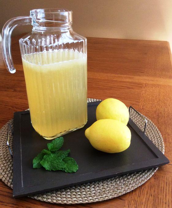Limonade à la sauge et citronnade à la menthe