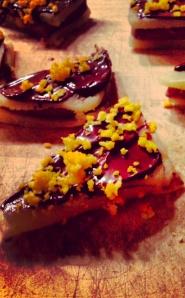 Orangetrekanter med nougat, marcipan & chokolade. #konfekt