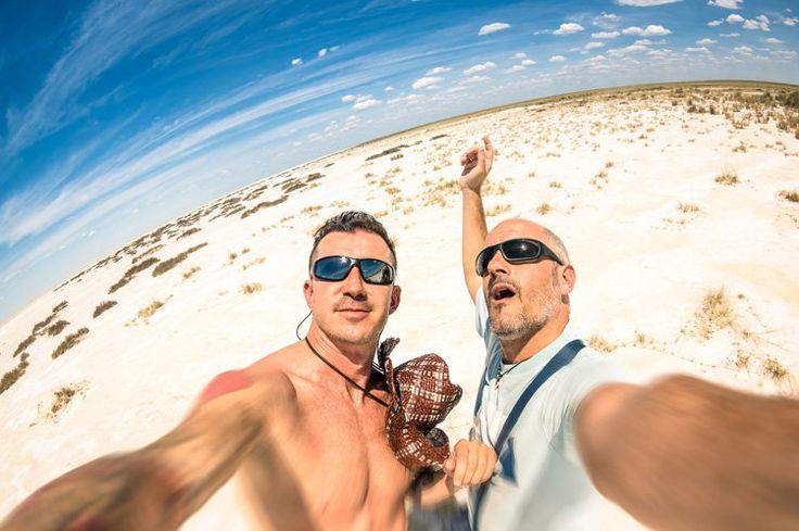 Κοινωνιολογία και ψυχολογία πίσω από την εμμονή μας για selfies - https://iguru.gr/2015/02/14/sociology-and-psychology-behind-our-obsession-selfies/