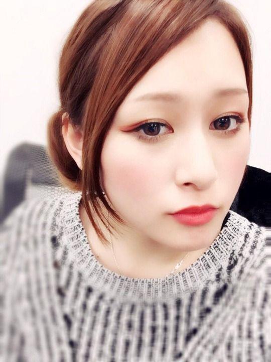 RT @yurika_akiyama: 節分メイクは、目尻に赤のシャドー、チークはほんのり、まゆげは短かめナチュラル、赤リップ。赤鬼意識ででも、ほんとに赤鬼お面被っちゃったら、メイクの意味がないぞー http://flip.it/Snp2H
