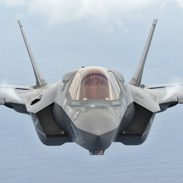 F35B MCAS Beaufort da Lockheed Martin Tramite Flickr: An F-35B from Marine Fighter Attack Training Squadron 501 (VMFAT-501), flies near its base a MCAS Beaufort, South Carolina. Learn more about the...