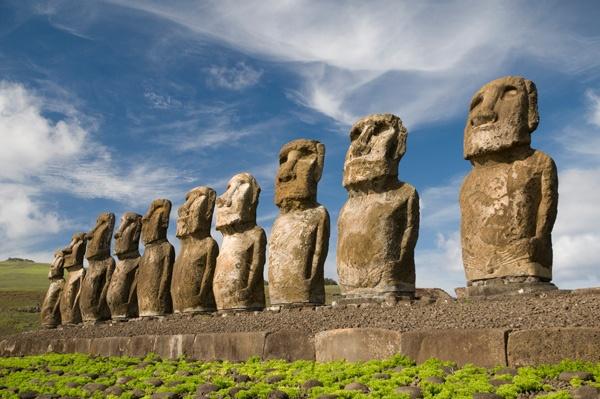 Voyage  Statues de l'ile de Paques