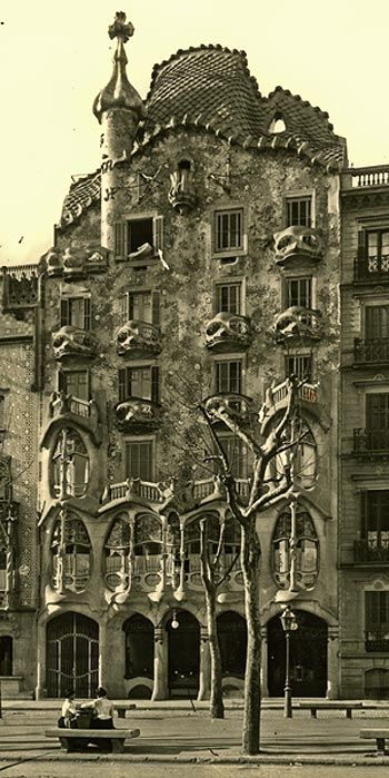 48 best casa batll history images on pinterest antoni for Casa luthier barcelona