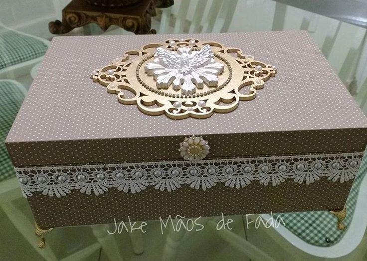 Presente especial #caixamdf #mdfdecorado #espiritosanto 🕊🕊 #decoracao #decor #espiritosantodedeus #presente #mimo💝 #jakemaosdefada