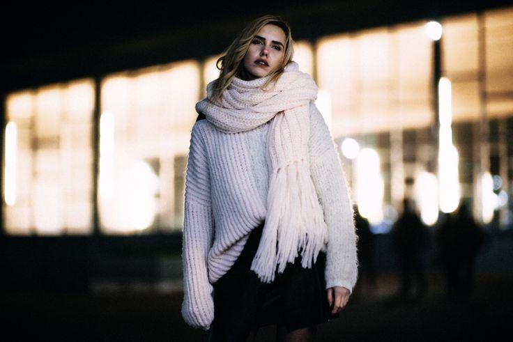 Für die neue Strickkooperation von Lala Berlin und Lana Grossa standen die beiden Models und Influencer Cheyenne Tulsa und Julia Dalia und die Bloggerin Hanna Fischer vor der Kamera