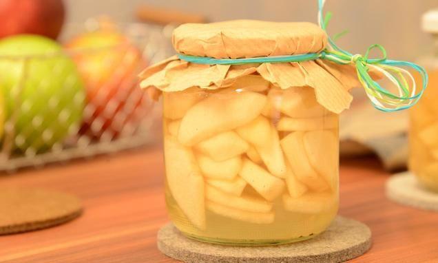 Eingekochte Äpfel