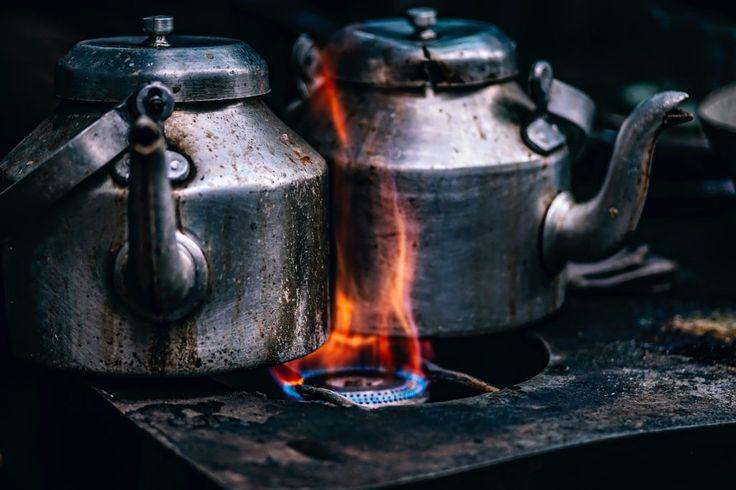 Fondo de Pantalla de Teteras, Cafeteras, Hornillo, Gas, Fuego, Llama, Suciedad