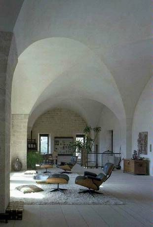 italian villa - adore the ceilings