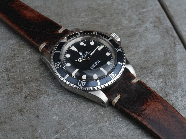 Every 5513 Sub is amazing in it's simple beauty. Perfect balanced design and the essence of vintage Rolex for us. Its like an design essential. Simple in style and timeless in beauty. Its always relevant on your wrist. No matter if its combined with a...