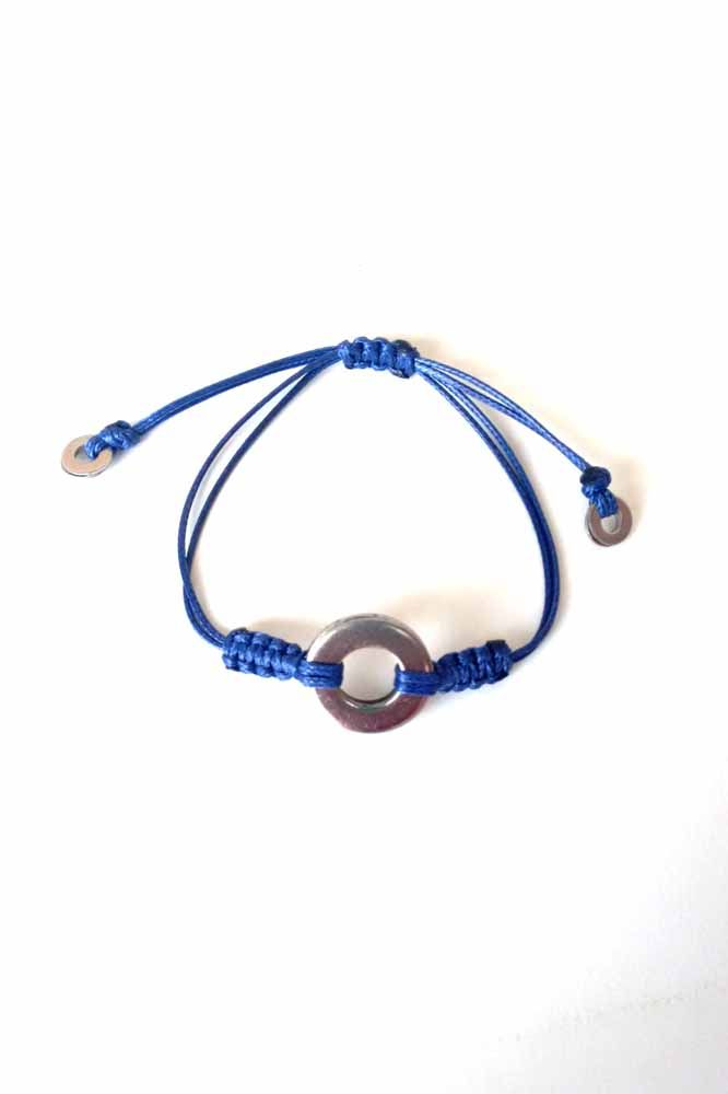 MEN'S BRACELET WITH A STAINLESS ELEMENT IN THE SHAPE OF CIRCLE AND BLUE CORD