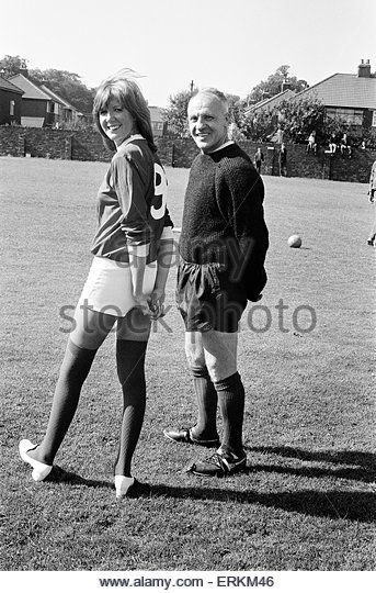 Pop singer Cilla Black and comedian Jimmy Tarbuck paid a visit to the training ground of Liverpool Football Club - Stock Image