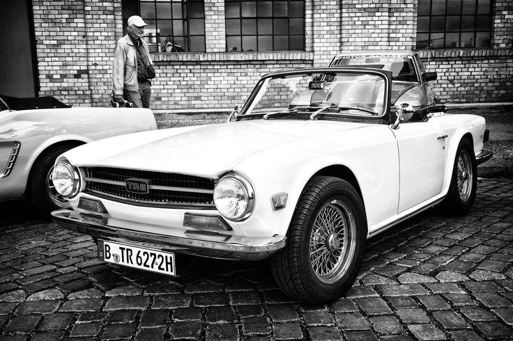 Triumph TR6 (1969-1976) - Sergey Kohl / Shutterstock.com