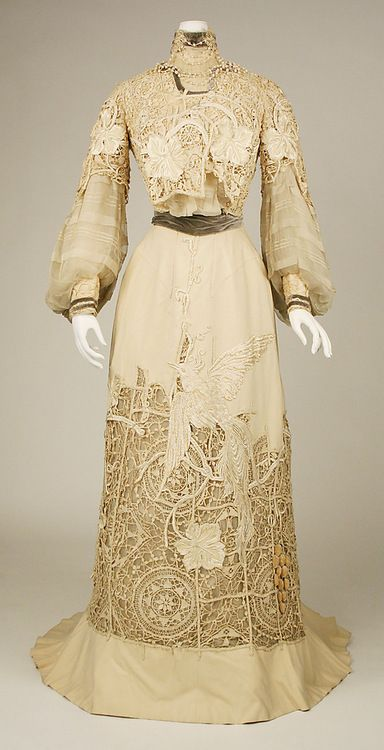 Dress, 1904,The Metropolitan Museum of Art.  Holy crap.  It looks like ti was laser cut!