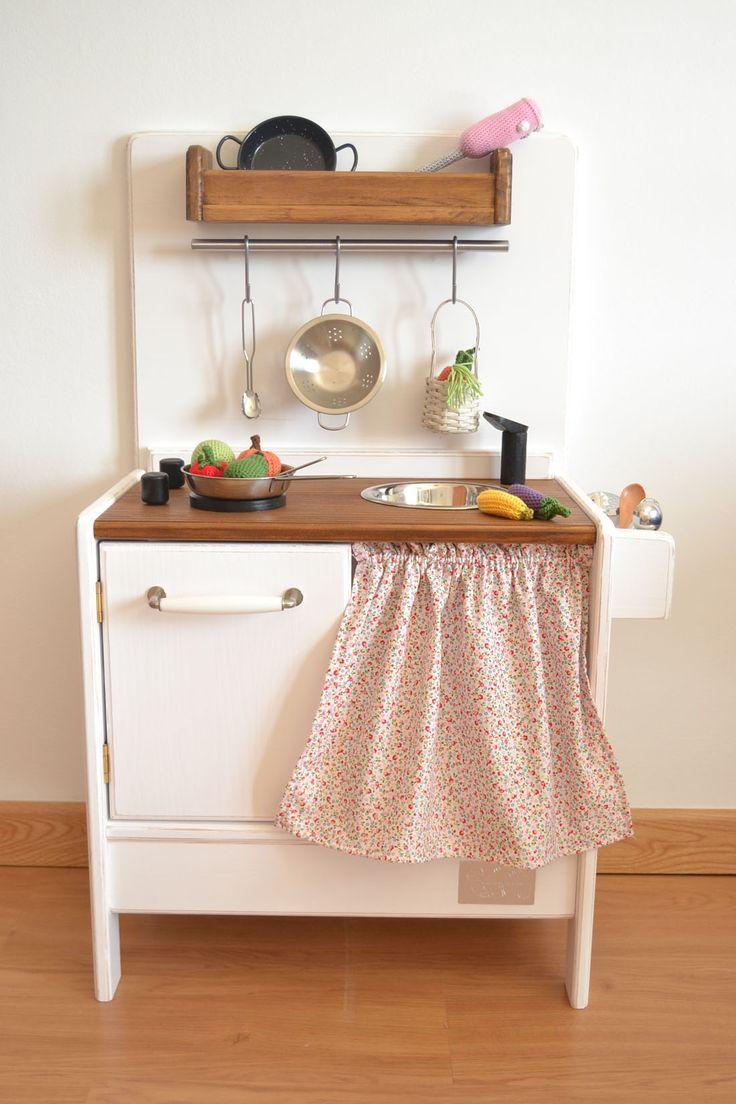 17 meilleures id es propos de marchande en bois sur pinterest dinette bois marchande bois. Black Bedroom Furniture Sets. Home Design Ideas
