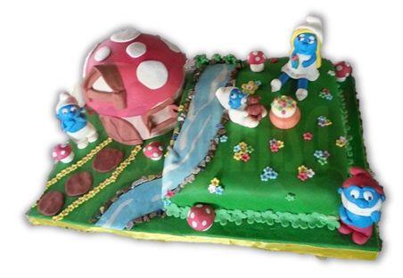 Şirinler temalı çocuklar için doğum günü pastası
