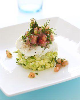 Videorecept voor Gepocheerde kabeljauw met puree van lente ui, tartaar van tomaat en tuinkruiden | Solo Open Kitchen