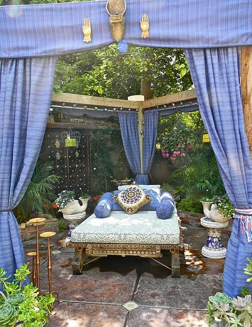 I would LOVE an outdoor space like this one day: Outdoor Beds, Outdoor Oasis, Outdoor Living, Outdoor Bedroom, Backyard, Outdoor Spaces, Bohemian Style, Bohemian Home, Gardens Tours