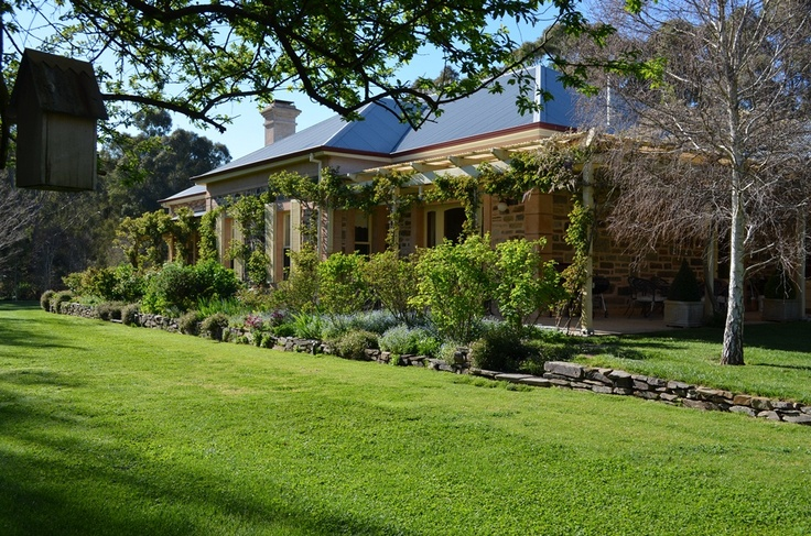 Walter & Kay Duncan's gorgeous old heritage villa homestead at Sevenhills in the Clare Valley region of South Australia