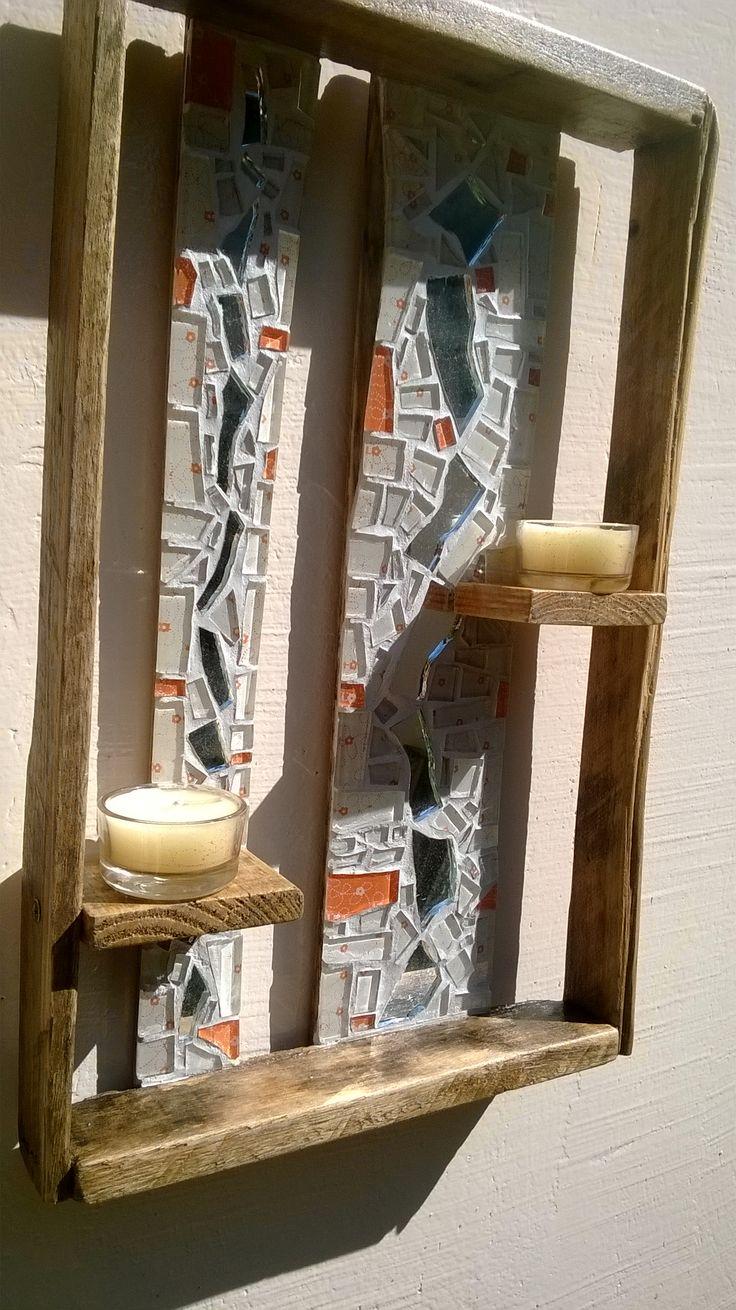 Candelabro Madeira Rústico PEÇA ÚNICA Candelabro rústico de espelho com mosaico de pastilha de vidro, e caixa reciclada, incluso 6 velas (36,5cm x 23cm x 10cm aprox) Valor: R$140,00