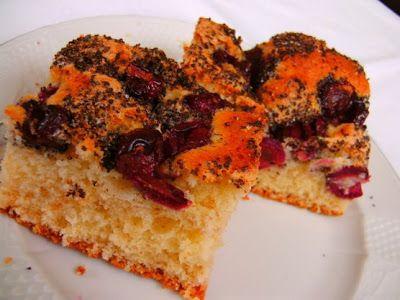 Kiskukta konyhája: Cseresznyés-mákos kevert süti