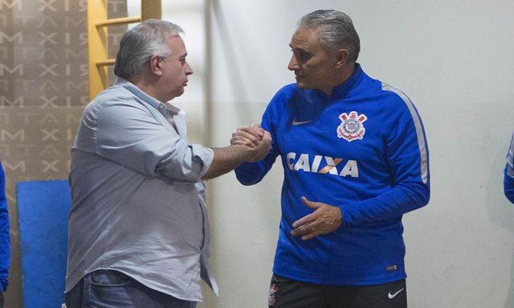 O técnico Cristóvão Borges tem grandes chances de ser o substituto de Tite no Corinthians. A diretoria corintiana e o treinador ainda acertam detalhes.
