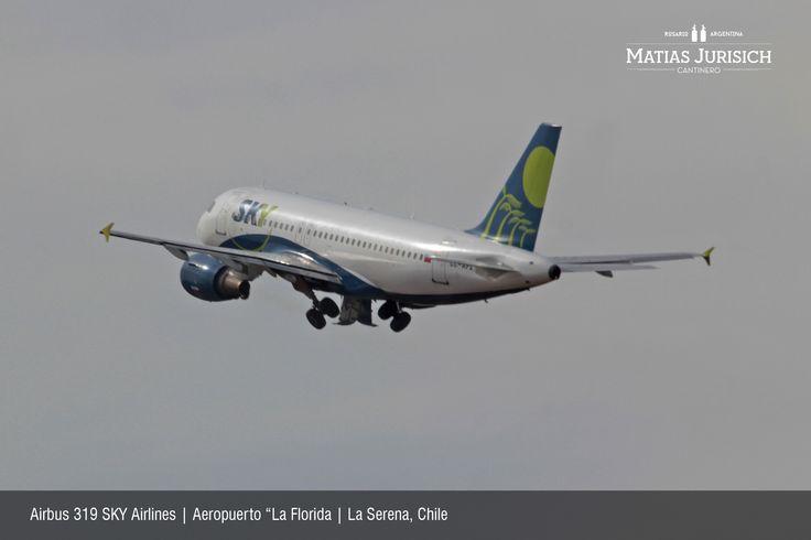 """Airbus 319 SKY Airlines despegnado en el Aeropuerto """"La Florida   La Serena, Chile"""