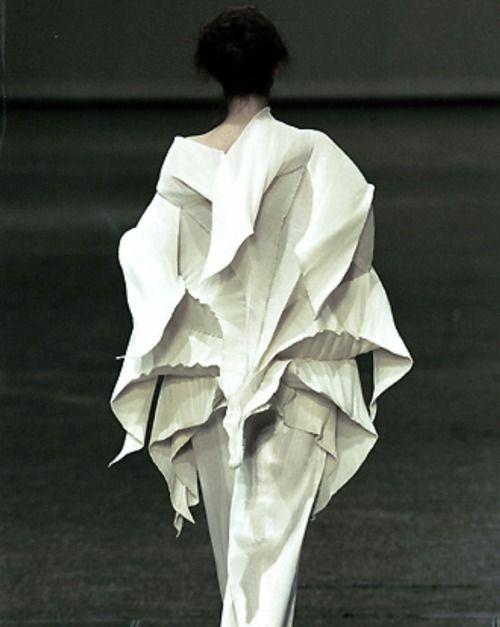 Sculptural Fashion - creative fashion structures; three-dimensional dress detail // Issey Miyake