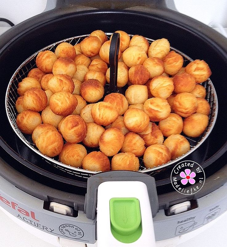 Aviko aardappelballetjes; 600 gram in het mandje van de Actifry (30 minuten). Lekker knapperig.