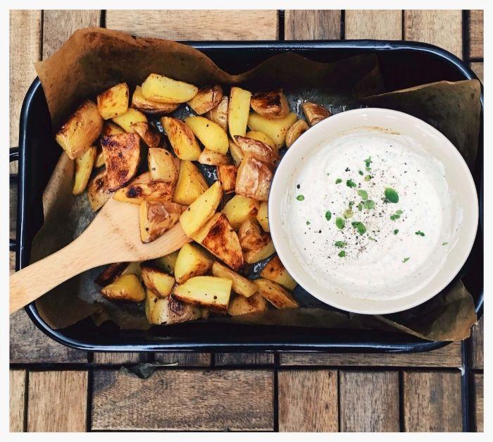 Salt and Vinegar Kartoffeln mit Joghurt Dip — Healthy Schnitzel