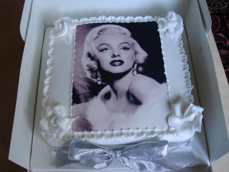 Marilyn Monroe Cake! My daughter would LOVE this
