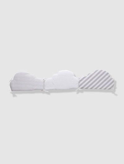 Contorno de berço com almofadas moduláveis em forma de nuvem BRANCO CLARO ESTAMPADO
